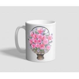 Virággal teli kosárral, és rózsás táblával díszített nőnapi bögre