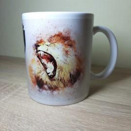 King feliratú, üvöltő oroszlános bögre