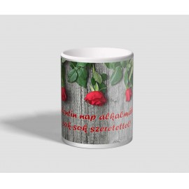 Rózsaszálakkal díszített, sok-sok szeretettel feliratú valentin napi bögre
