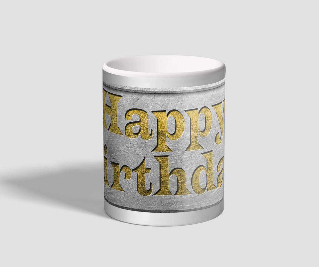 Fém táblába írt happy birthday feliratú születésnapi bögre