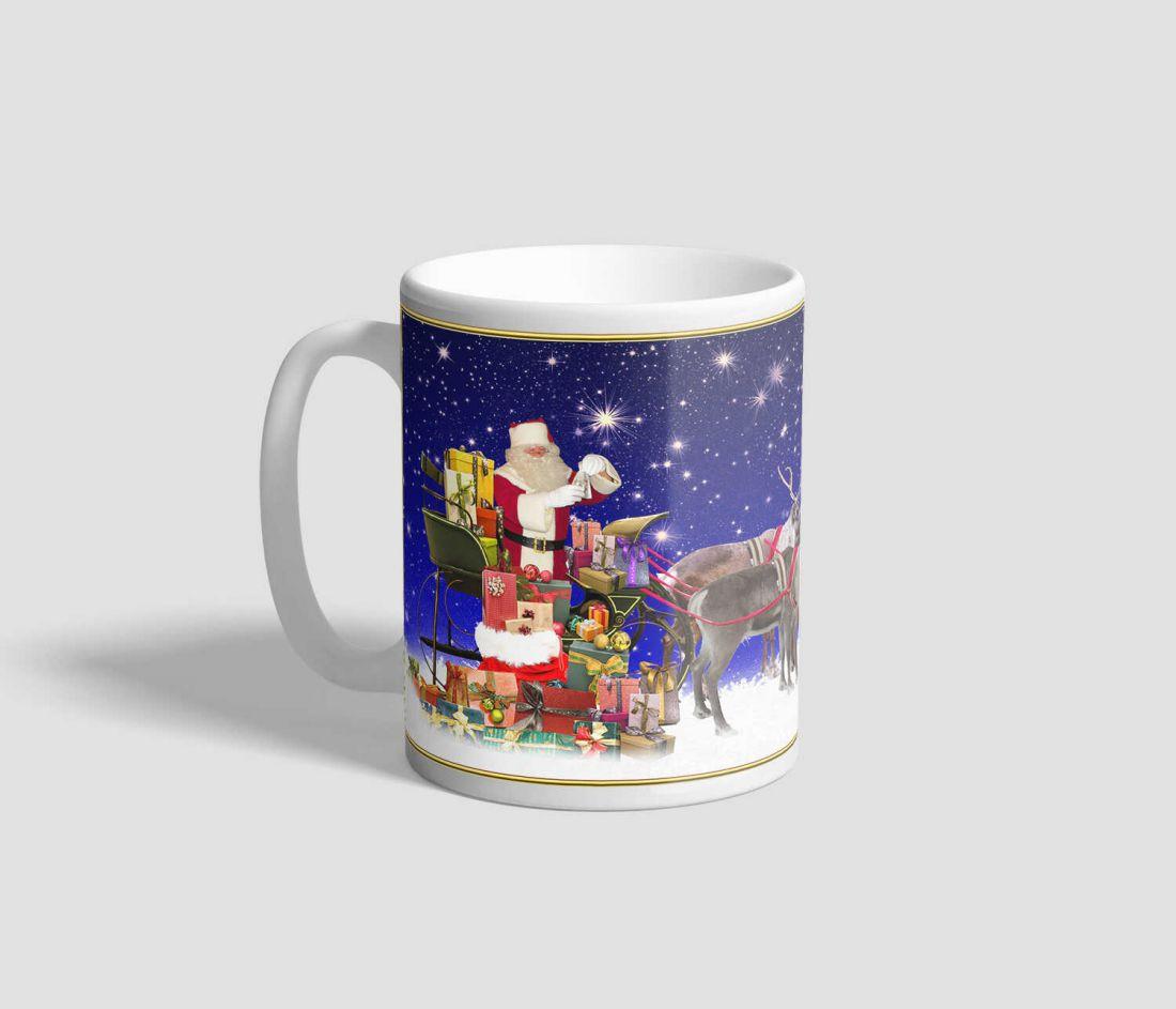 Kék csillagos hátterű, mikulásos rénszarvasos karácsonyi bögre