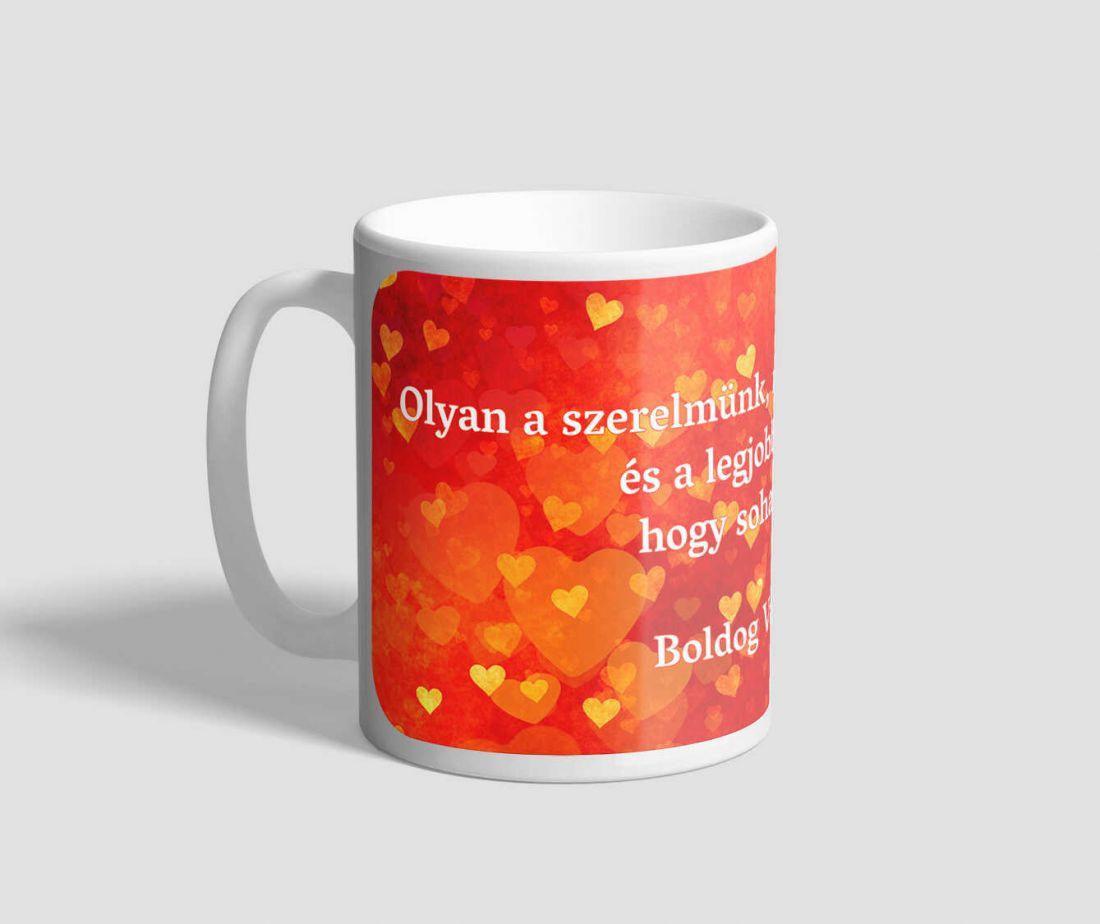 Narancssárga hátterű, szívekkel teli idézetes valentin napi bögre