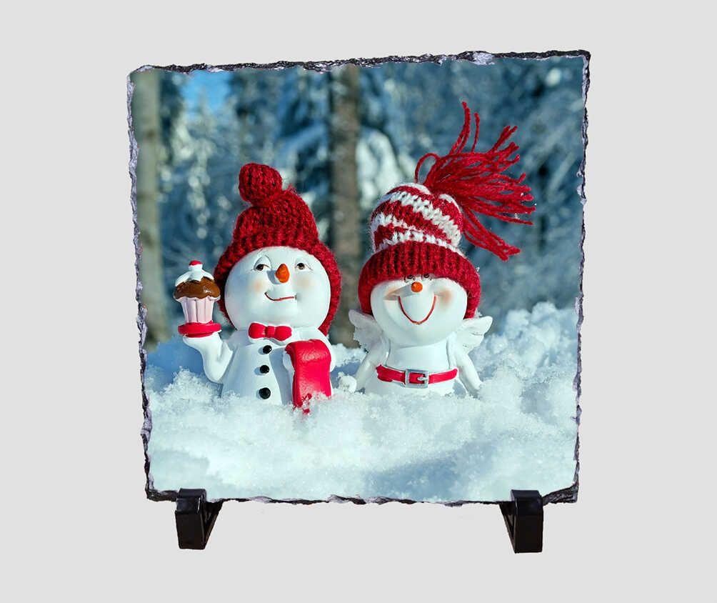Cuki hóember párt ábrázoló 20x20 cm-es karácsonyi kőlap