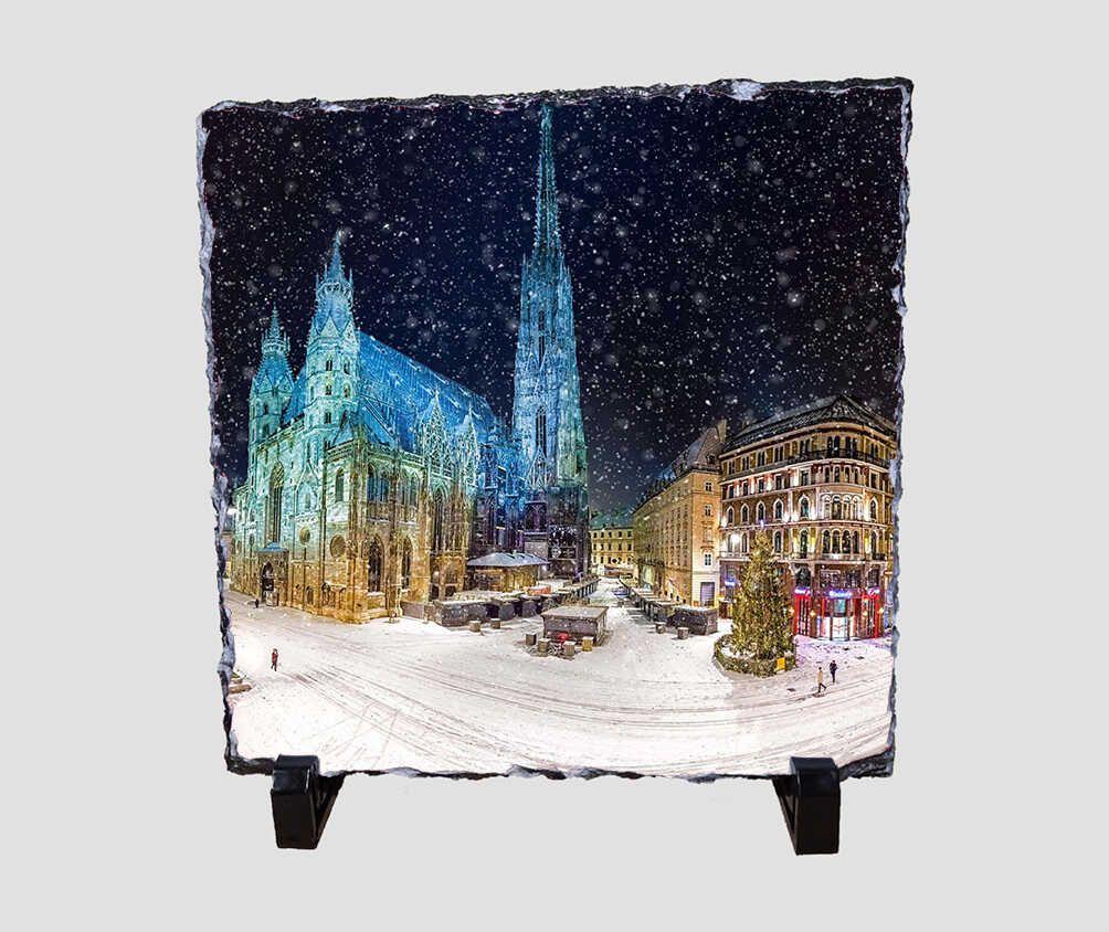 Karácsonyi díszben pompázó várost ábrázoló 20x20 cm-es karácsonyi kőlap